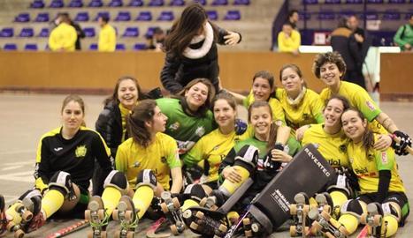 Les jugadores del Vila-sana celebren la classificació.
