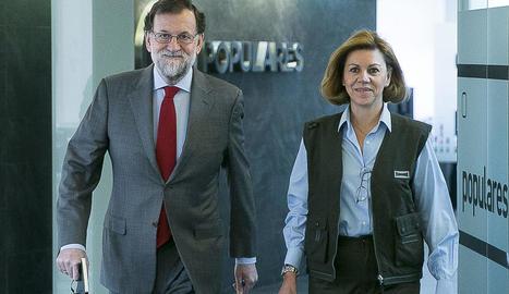 Mariano Rajoy, ahir acompanyat de la ministra de Defensa, María Dolores de Cospedal.