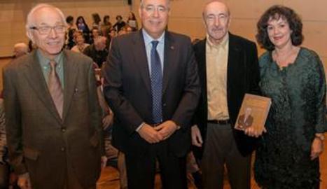 Lladonosa, a l'esquerra, en l'homenatge a Frederic Vilà