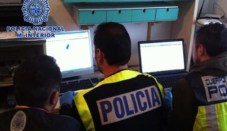Agents de la Policia Nacional que van actuar en aquesta operació.