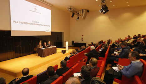 Presentació del nou POUM davant d'entitats i empreses lleidatanes a la Llotja.