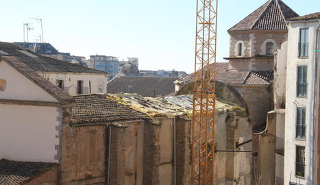 La teulada de l'església dels Dolors, en ple procés de reparació i rehabilitació.