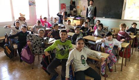 Els escolars d'Agramunt van anar ahir amb pijama al col·legi.