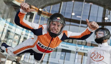 El pilot de Cervera va disfrutar amb una sessió al túnel de vent de Madrid Fly.