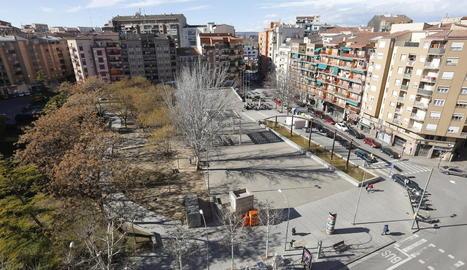 L'associació del Clot vol una pista a la plaça Constitució.