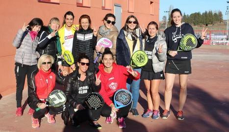 L'equip femení de pàdel del Sícoris Club puja a Segona categoria