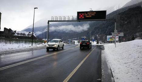 El port de la Bonaigua es va tallar per l'alt risc d'allaus després de la nova nevada d'ahir.