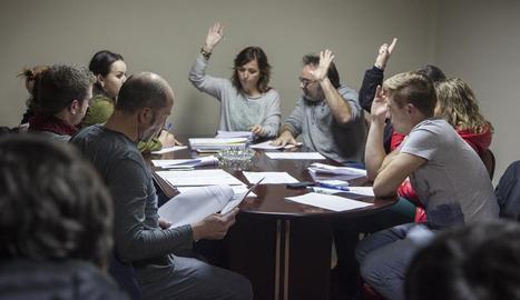 Ple per aprovar els pressupostos - Els pressupostos es van aprovar dimecres, en una sala de plens plena de públic, amb els vots del govern del PDeCAT (a la foto), mentre que ERC, a l'oposició, hi va votar en contra.