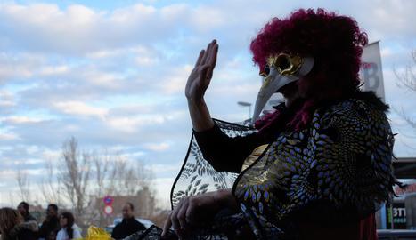 La reina Pocasolta va presidir el Carnaval de Pardinyes.