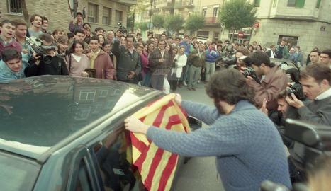 Aznar surt escaldat de la Universitat de Lleida