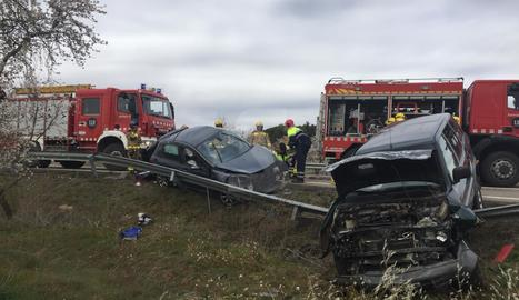Els dos vehicles implicats en l'accident