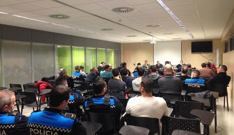 Un instant de l'assemblea de la Guàrdia Urbana celebrada ahir.