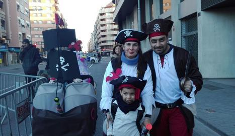 3er premi: Juanjo Jiménez amb la seva família pirata.