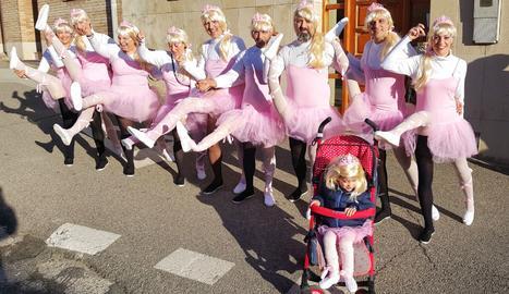 Montse Simó i les seves ballarines