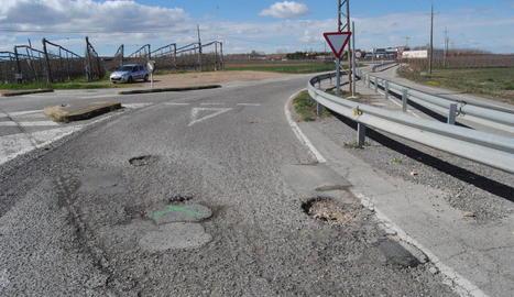 L'estat de la via d'accés a la Serra.