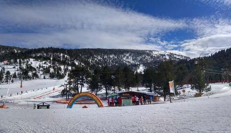 Les instal·lacions del parc d'aventura de l'estació de Port Ainé, al Pallars Sobirà.