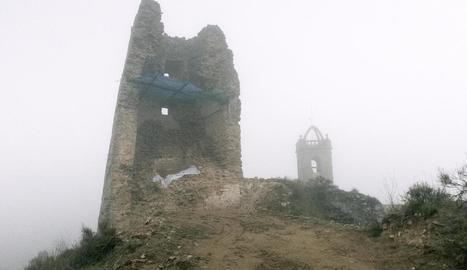 El despreniment de pedres a la torre ha obligat a actuar.