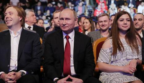 Imatge del president rus, Vladímir Putin (al centre).