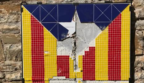 El mosaic de l'estelada de la Pobla, trencat.