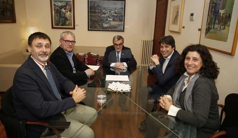 El president de Societat Civil Catalana es reuneix amb Àngel Ros i Ángeles Ribes a la Paeria