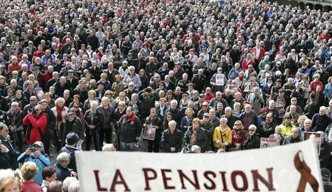 Pensionistes reclamen una pujada més gran d'aquestes prestacions.