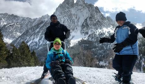 L'estació d'Esquí de Tavascan va cedir la cadira de neu per a la visita.