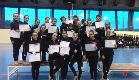 Les esportistes del Club Twirling Benavent.
