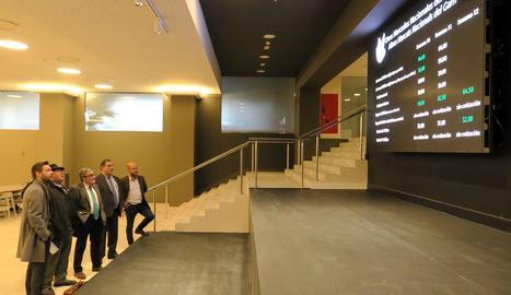 El consell d'administració de Mercolleida, amb els representants institucionals, van visitar les obres.