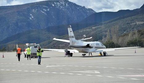 L'avió de TSA a l'arribada a la Seu des de Palma.