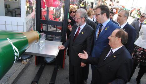 Marc Solsona i Joan Reñé, amb Poldo Segarra, Joan Trull i Xavier Roure, durant la visita al recinte firal.