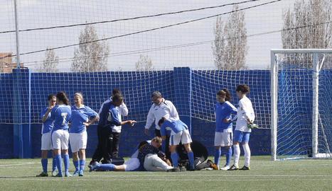 El partit es va interrompre durant 13 minuts per la lesió de Solà, que va patir un cop al cap.