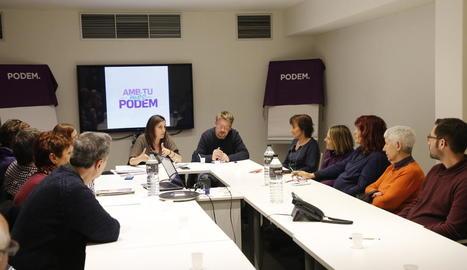 Domènech, reunit amb els membres de Podem Lleida.