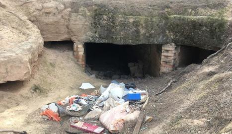 Un dels punts on les brigades han acumulat els residus que procediran a recollir ben aviat.