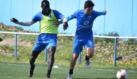 El Lleida va començar a preparar ahir el partit a Vila-real de dissabte.