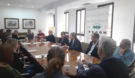 El director delsEl director dels serveis territorials d'Empresa i Coneixement a Lleida, Ramon Alturo, en l'esmorzar col·loqui de la FECOM on ha presentat els incentius. serveis territorials d'Empresa i Coneixement a Lleida, Ramon Alturo, en l'esmorzar col·loqui de la FECOM on ha presentat els incentius.