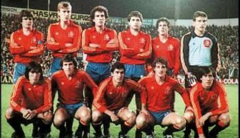 L'onze inicial d'Espanya contra Malta.