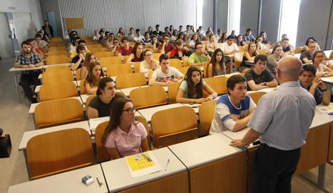Alumnes a la selectivitat del juny de l'any passat.