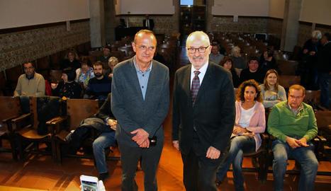 Ribó, a la dreta, amb el professor de la UdL Miquel Pueyo.