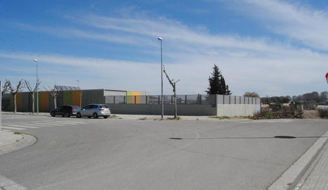 L'institut es construirà darrere la guarderia.