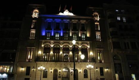 L'ajuntament de Lleida es va afegir al Dia Mundial de la Síndrome de Down amb la seua il·luminació.