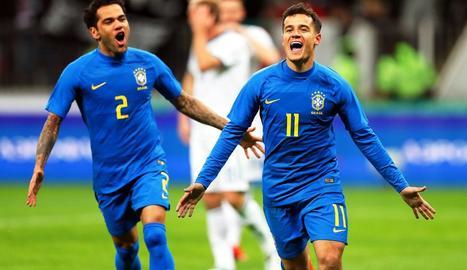 Coutinho celebra el gol que va marcar de penal en la golejada de Brasil sobre Rússia.