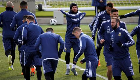 Messi, ahir amb la selecció argentina en la sessió d'entrenament a Valdebebas.