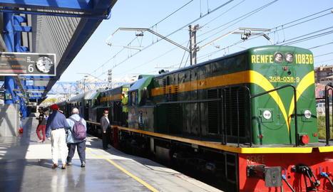 Imatge d'arxiu del comboi històric del Tren dels Llacs.