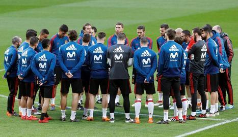 La selecció espanyola, durant l'entrenament d'ahir al Wanda Metropolitano de Madrid.