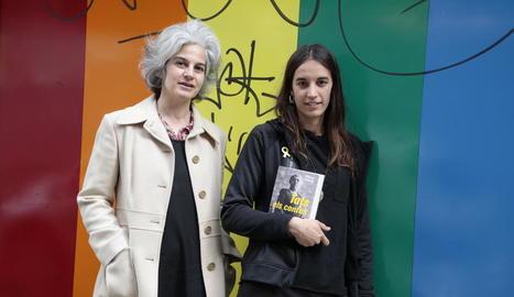 Maria Bohigas i Blanca Llum Vidal, editores de la col·lecció 'Tots els contes', ahir a Lleida.