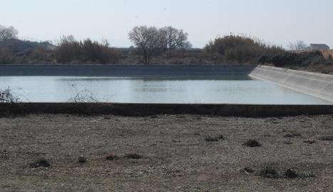 Una de les basses on s'emmagatzema l'aigua de boca.
