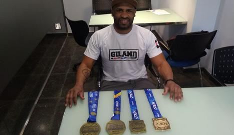 André Rodrigues torna de Roma amb tres medalles en jujitsu