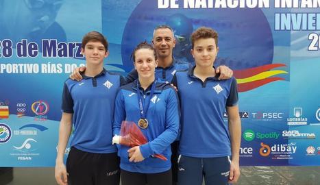 Paula Juste amb els seus companys del CN Lleida.