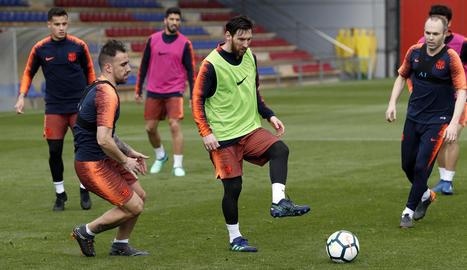 Messi, durant l'entrenament de dijous que va fer la plantilla barcelonista.
