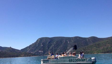 Un dels catamarans de Viacamp gestionats per la firma Mont-rebei Explora.